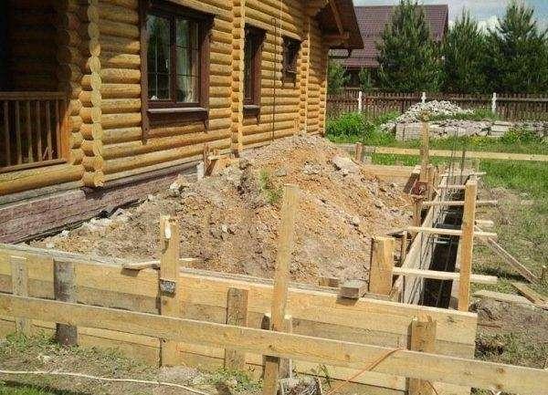 Как сделать к деревянному дому пристройку 586